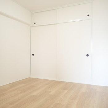洋室のような和室のような。 ※写真・文章は9階の同間取り別室のものです。