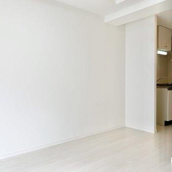 シンプルなお部屋だからこそレイアウトもしやすいですよ。※写真は7階の同間取り別部屋のものです