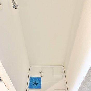 こちらは洗濯機置き場。※写真は7階の同間取り別部屋のものです
