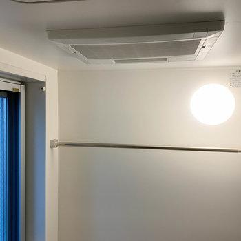 小窓と、浴室乾燥機もついています!※写真は前回募集時のものです