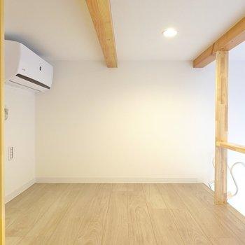 ウッドフレームのフロアベッドを置いて寝室にしたいなぁ。