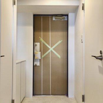 玄関周りもゆとりを持って作られているので使いやすいそう。(※写真は建設工事中のものです)
