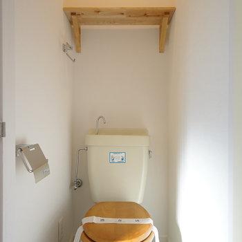 トイレは個室でかわいい♪※写真は反転間取り別部屋の写真