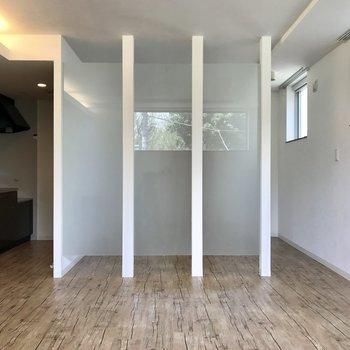 透明感のある空間※写真は同間取り別部屋のもの
