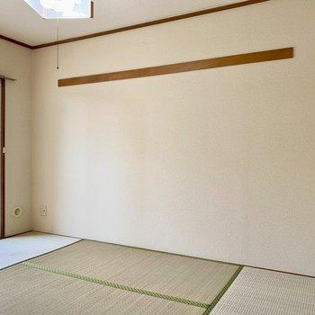 【和室】長押には好きなものを掛けて。※写真は1階の同間取り別部屋のものです