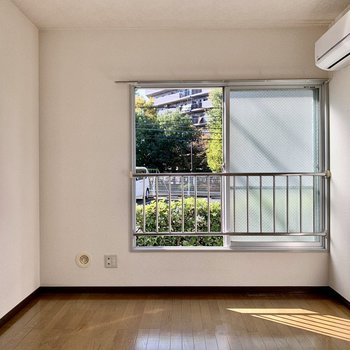 【洋室4.5帖】まずは洋室から見ていきましょう。※写真は1階の同間取り別部屋のものです