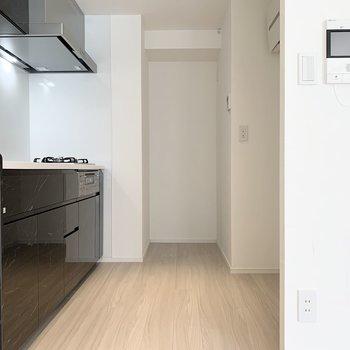 【LDK】キッチンスペースも広々してます