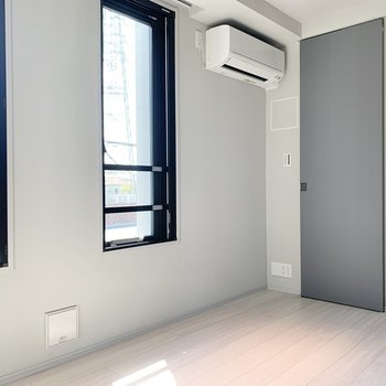 【Bed Room】風通しも良いですよ。※写真は3階の同間取り別部屋のものです