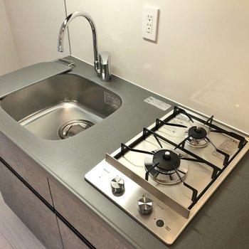シンクボード付きで調理スペースもしっかり確保。