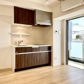 【DK】キッチン横に冷蔵庫がおけますよ。