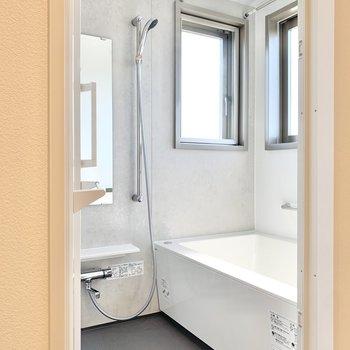 2面採光のお風呂なんです。