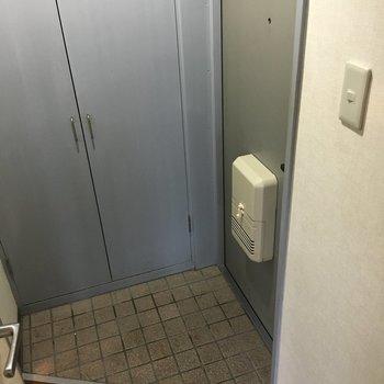 玄関は窮屈ではなかったです