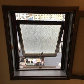 お風呂場に換気できる窓が付いてるのは嬉しい