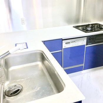 なんと食器洗浄乾燥機までついてる!※写真は2階反転間取り・別部屋のものです