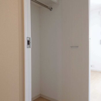 クローゼットは洋室入り口に。(※写真は4階の同間取り別部屋のものです)