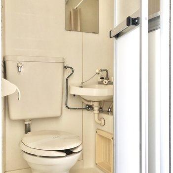 3点ユニットは掃除しやすいですよ。(※写真は3階の反転間取り別部屋のものです)
