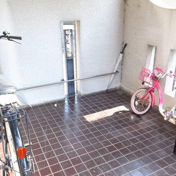 【共用部】駐輪はこちらへ。
