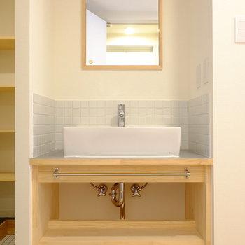 【前回募集のお部屋です】TOMOSオリジナルの洗面台です!