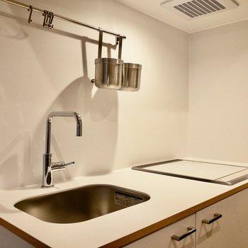 キッチンは二口IHコンロです