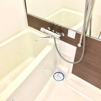 お風呂の水栓は使いやすいものに◎ (※写真と文章は12階の同間取り別部屋のものです)
