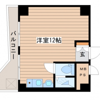 正方形の洋室12帖のお部屋で、バルコニーの形が特徴的です。
