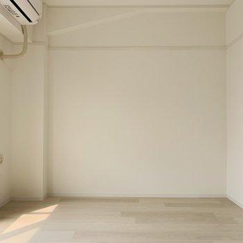奥にはLDKなのにキッチン付近とはまた別の空間のようなスペースが。