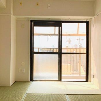 【和6】淡いグリーンの畳と真っ白な壁の相性がいい感じですね。