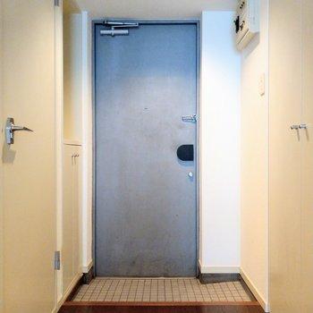 ブルーの扉がかわいいな。スペースもしっかり!