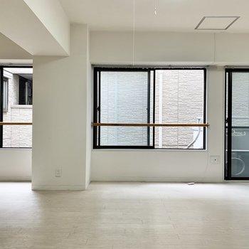 【LDK】リビングには計4箇所に窓が付いています