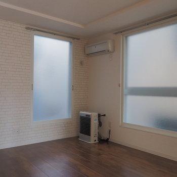 窓があちこちに、、開放感がたまりません。※写真は同間取り別部屋