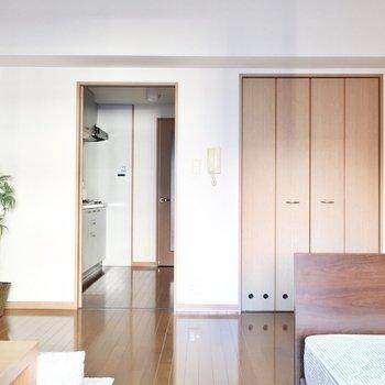 ナチュラルなお部屋(※写真は6階同間取り別部屋、モデルルームのものです)
