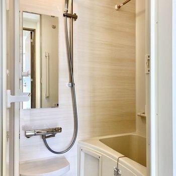 上品な印象の浴室。※写真は3階の同間取り別部屋のものです