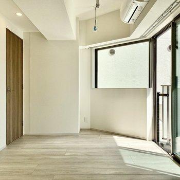 個性的な形の空間ですね。※写真は3階の同間取り別部屋のものです