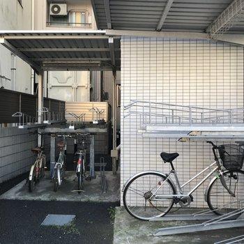 敷地内には駐輪場が付いています。
