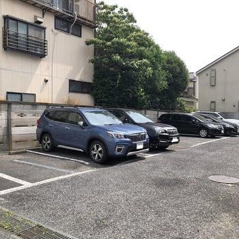 駐車場も敷地内に。※空き要確認