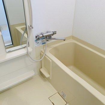 お風呂場はちょっと贅沢仕様※写真は同間取り別部屋