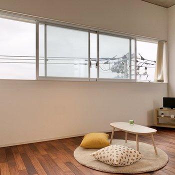 【LDK】ワイドな窓は、鎌ケ谷市の風を一気に取り込みます。