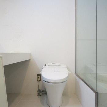 トイレは温水洗浄便座です