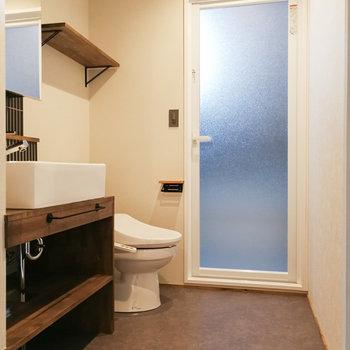 土間からもアクセスできるので、帰ってすぐにシャワーなども可能。※写真は前回募集時のものです