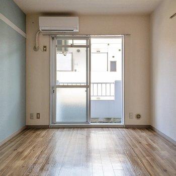 ※写真は通電前・2階の同間取り別部屋のものです