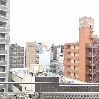 眺望は薬院の街並みです。