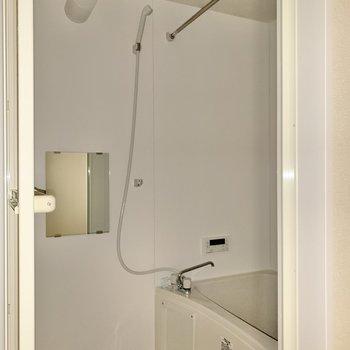 浴室乾燥機、ミラー付き◯