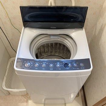 洗面台の横が洗濯機置き場になります