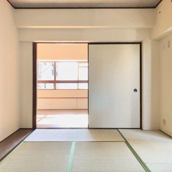 書斎、くつろぎスペース、何にだってできますね!板畳はデスクを置くのにちょうど良さそう