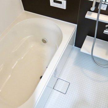 追い炊き&浴室乾燥機つき(※写真は3階の同間取り別部屋のものです)