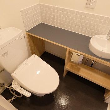 洗面台が愛おしい!! 台が長いところも、生活にはとっても便利!※写真は同間取り別部屋
