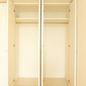 クローゼットはしっかり広さがあります。(※写真は10階の反転間取り別部屋のものです)