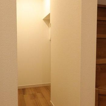 【下階】さて、この廊下の奥には...※写真は前回募集時のものです