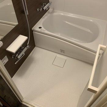 浴室乾燥機が付いています。