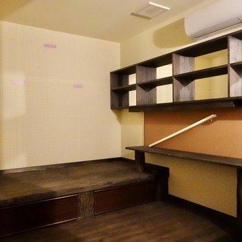 地下には防音室が設けられています。※写真は別部屋のものです